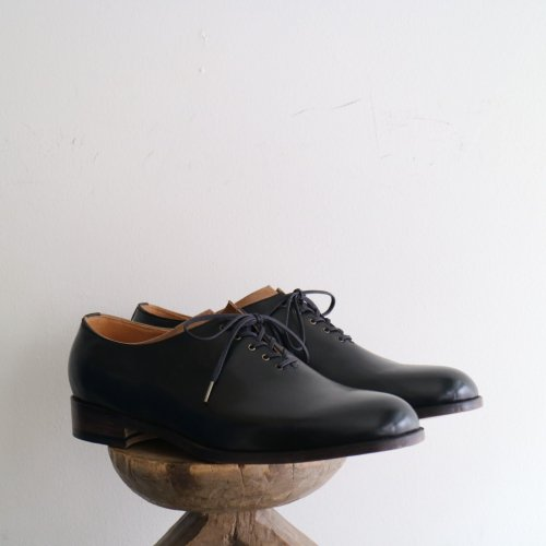 forme (フォルメ)  / Stand Collar Whole Cut Shoes「Calf Leather × SHF」