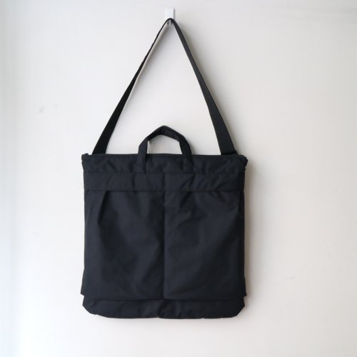 <img class='new_mark_img1' src='//img.shop-pro.jp/img/new/icons6.gif' style='border:none;display:inline;margin:0px;padding:0px;width:auto;' />ERA. / B.T NO HELMET BAG「Black」