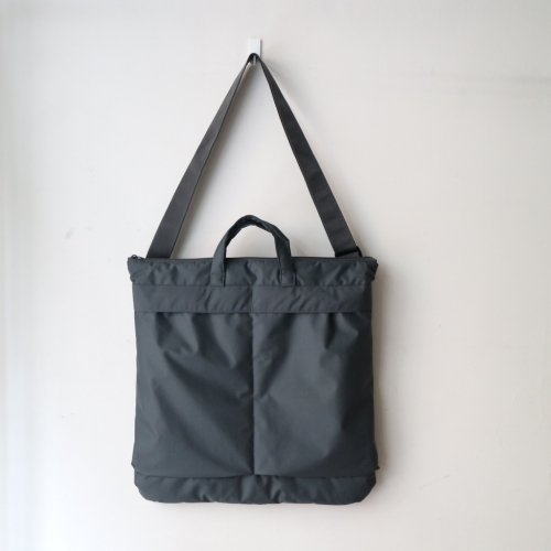 <img class='new_mark_img1' src='//img.shop-pro.jp/img/new/icons6.gif' style='border:none;display:inline;margin:0px;padding:0px;width:auto;' />ERA. / B.T NO HELMET BAG「Charcoal」