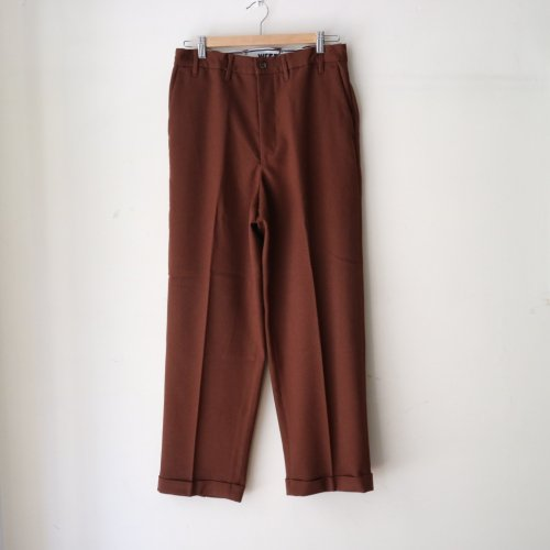 <img class='new_mark_img1' src='https://img.shop-pro.jp/img/new/icons6.gif' style='border:none;display:inline;margin:0px;padding:0px;width:auto;' />WESTOVERALLS /  GOOD FIT TROUSERS「Brown」