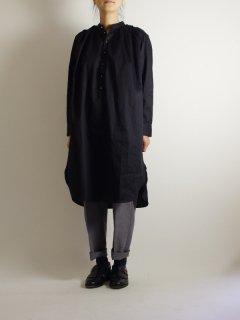 Bohemians(ボヘミアンズ) ギャザーシャツワンピース ブラックサテンシルバーボタン