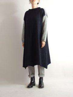 Edmund McNulty Knitwear(エドムンド マクナルティ ニットウェア )ウールアルパカニットワンピース