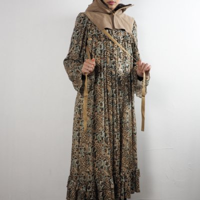 vintage 1970's Ritu Kumar Silk Dress<img class='new_mark_img2' src='https://img.shop-pro.jp/img/new/icons8.gif' style='border:none;display:inline;margin:0px;padding:0px;width:auto;' />