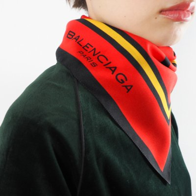 vintage Balenciaga Scarf<img class='new_mark_img2' src='//img.shop-pro.jp/img/new/icons8.gif' style='border:none;display:inline;margin:0px;padding:0px;width:auto;' />