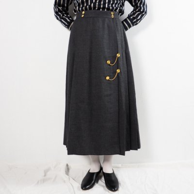 vintage 1970s CHANEL Wool Skirt<img class='new_mark_img2' src='//img.shop-pro.jp/img/new/icons8.gif' style='border:none;display:inline;margin:0px;padding:0px;width:auto;' />