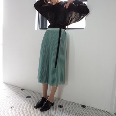 <img class='new_mark_img1' src='https://img.shop-pro.jp/img/new/icons20.gif' style='border:none;display:inline;margin:0px;padding:0px;width:auto;' />08sircus chiffon pleats wrap skirt