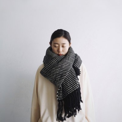 <img class='new_mark_img1' src='https://img.shop-pro.jp/img/new/icons20.gif' style='border:none;display:inline;margin:0px;padding:0px;width:auto;' />MAYDI SABIA HAND LOOM SCARF