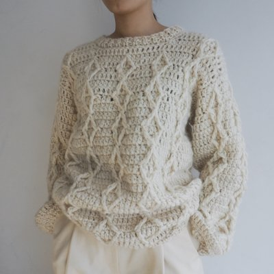 MAYDI RAYO  DIAMOND SWEATER<img class='new_mark_img2' src='https://img.shop-pro.jp/img/new/icons8.gif' style='border:none;display:inline;margin:0px;padding:0px;width:auto;' />