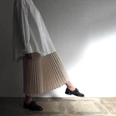 08sircus Satin Pleated Skirt サテンプリーツスカート<img class='new_mark_img2' src='https://img.shop-pro.jp/img/new/icons8.gif' style='border:none;display:inline;margin:0px;padding:0px;width:auto;' />