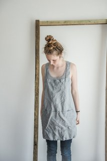 【ネコポス送料無料】not PERFECT LINEN | SHORT SQUARE CROSS LINEN APRON (light grey) | エプロン