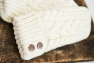 CHERRYT KNIT & CO. | CABLE KNIT MITTENS (white) | レディース手袋