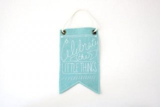 URBAN BIRD & CO. | CELEBRATE THE LITTLE THINGS (light blue) | フェルト・バナー