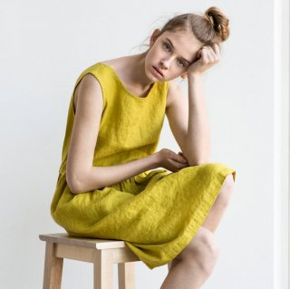 not PERFECT LINEN | Loose linen sleeveless summer dress (greenish mustard) | 着丈95cm