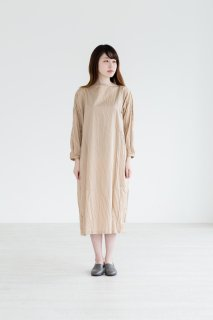 the last flower of the afternoon | 雨間(あまあい)のlong pull over dress (light beige) | ワンピース