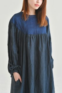 the last flower of the afternoon | 月夜のround yoke sleeve dress (black) | ワンピース