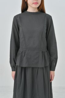 the last flower of the afternoon | 梢の影 peplum blouse (charcoal) | ブラウス