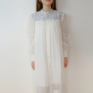 the last flower of the afternoon | 梢の影 work dress  (white) | ワンピース