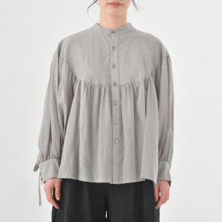 the last flower of the afternoon | 淡き光 round yoke blouse (grey) | ブラウス