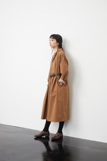 the last flower of the afternoon   夕霜はらう open collared dress (beige)   ワンピース