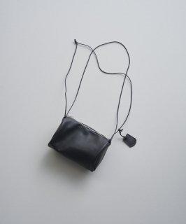 REN | スティル・キャニスターショルダー (black) | レザーショルダーバッグ