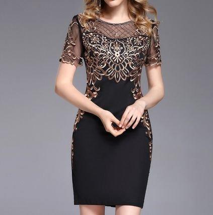 刺繍 半袖 タイト ショート丈 二次会 結婚式 お呼ばれ ドレス