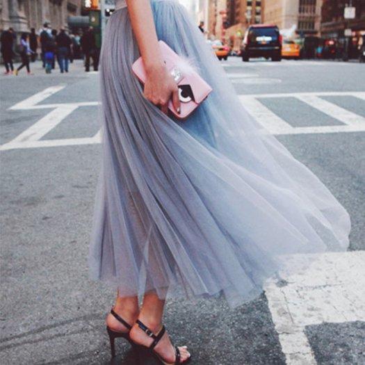 歩くたび風に揺れる フェミニンスタイル  ロングチュールスカート 3色