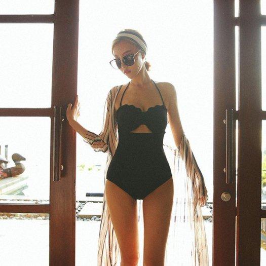 セクシー ホルターネック 黒 ワンピース水着 スカラップ ビキニ リゾート プール 夏 海