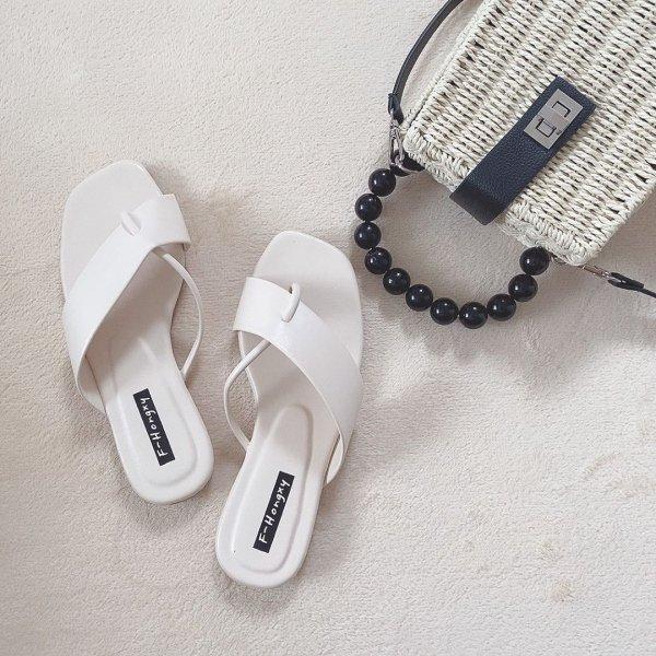 レディース フラット ぺたんこ  歩きやすい 夏 柔らか ビーチ サンダル