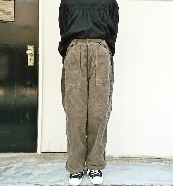 Ordinary fits  JAMES PANTS CORDUROY KHK