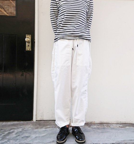 MANUAL ALPHABET DENIM UTILITY EASY PANTS WHITE
