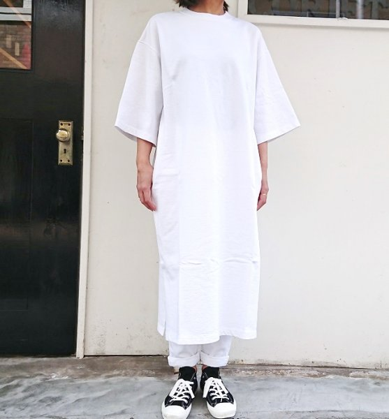 UNIVERSAL SEVEN コンパクト裏毛ワンピース シロ