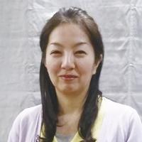 <b>シンギング・リン・セラピスト</b><br>栄 絹代