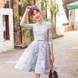 花柄刺繍が可愛いAラインのフレアワンピース 七分袖のミディアムドレス
