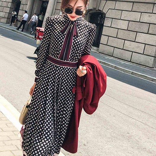レトロ感のあるハイウエストな韓国ワンピース リボンが可愛い長袖のミモレ丈ワンピ