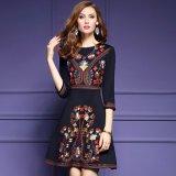 オリエンタルなデザインが可愛い7分袖ワンピース 花柄刺繍のAラインワンピ