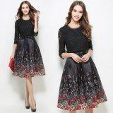 食事会やデートに  花柄の黒レースがエレガントなワンピース ボタニカル柄スカートが可愛いパーティードレス