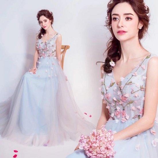 Vネックの花柄刺繍のロングドレス 結婚...