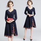 花柄刺繍のフレアスカートが可愛いワンピース エレガントなVネックのパーティードレス