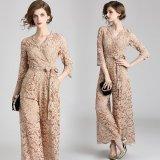 上品な花柄レースが美しいパンツドレス カシュクールデザインが可愛いオールインワン