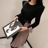 プリーツスカートが可愛いバイカラーの韓国ワンピース 秋冬に着たいフリル袖のミモレ丈ワンピース