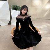 デコルテのレースやフリルが個性的な韓国ワンピース 大人女子にぴったりな上品な韓国ドレス