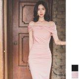 お呼ばれシーンで着たいスリムなオフショルダーワンピース ナイトシーンに似合うタイトな韓国ドレス