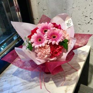 スタンディングブーケ(ピンクシャンパンドレス)生花花束 3,000円税抜 ※+本州送料1,000円