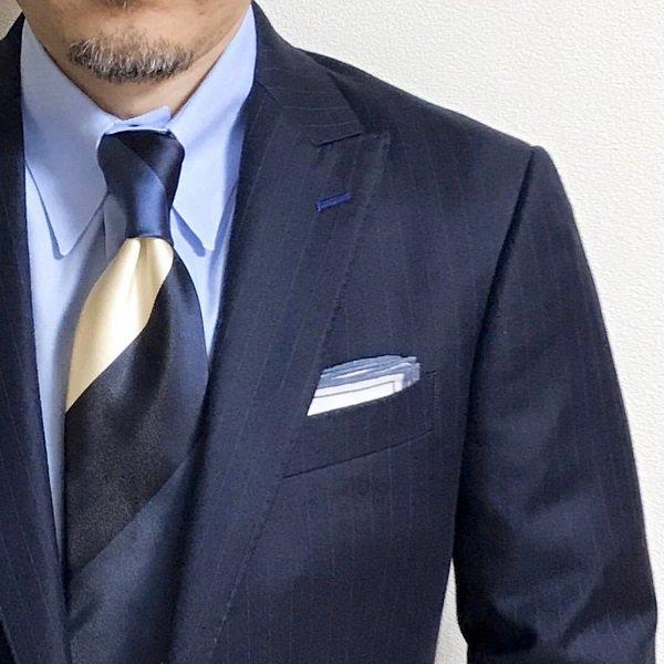 残り1点!MUNGAI (ムンガイ) ホワイト×ブルー / プリントライン / ポケットチーフ
