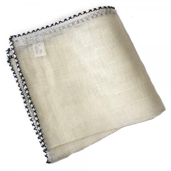 MUNGAI (ムンガイ) / ホワイト×ネイビー / クロスステッチパイピング  / ハンドメイド / メッシュリネン / ポケットチーフ