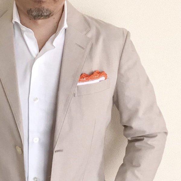 MUNGAI (ムンガイ) / ホワイト×オレンジ / レースパイピング  / ハンドメイド / ポケットチーフ