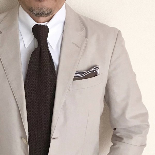 MUNGAI (ムンガイ) / ブラウン×ホワイト / ウェイブ / ポケットチーフ