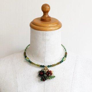 お花のグリーンネックレス