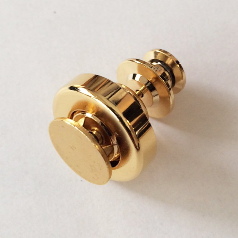 ベース11mm*ゴールド*ブローチとスナップの進化形 どこにでも着脱できる新機能金具『スナップピアス』誕生!