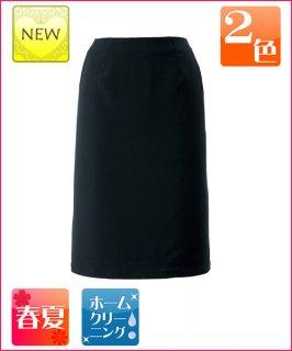 ストレスフリーのウエストとプレーンで清涼感のある素材で、夏場に最適なスカート